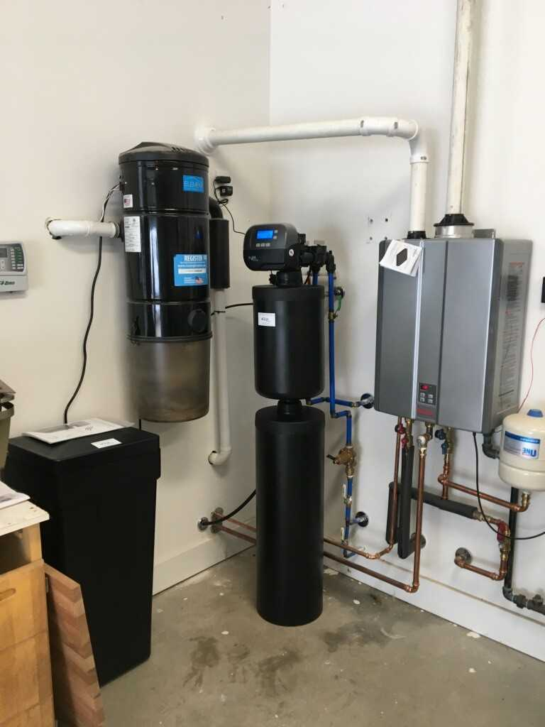 Water filtration systems and tankless water heater